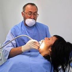 зъболекар - பல் மருத்துவர்