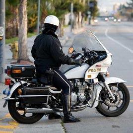 警察 - rendőr