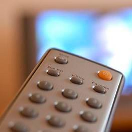 ένας τηλεχειριστής - une télécommande