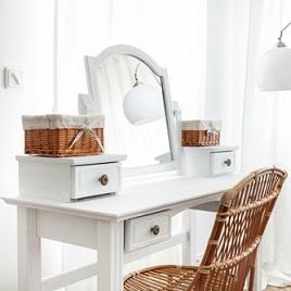komoda - o masă de toaletă