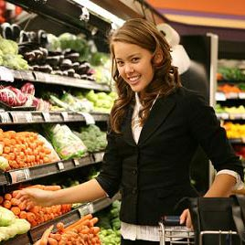 nutraĵvendejo - potraviny (obchod s potravinami)